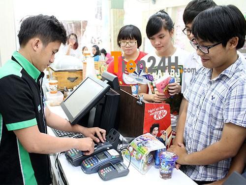 Rút tiền thẻ tín dụng thẻ visa  – Cà thẻ ra tiền mặt