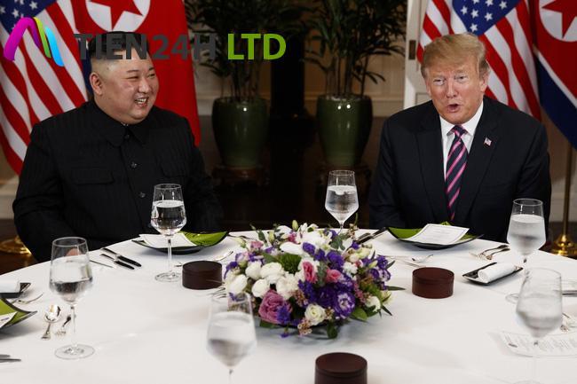 Toàn cảnh cuộc gặp đầu tiên của Tổng thống Mỹ Donald Trump và Chủ tịch Triều Tiên Kim Jong-un tại Hà Nội