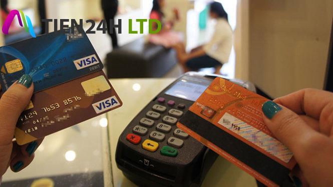 Hướng dẫn các cách rút tiền mặt từ thẻ tín dụng