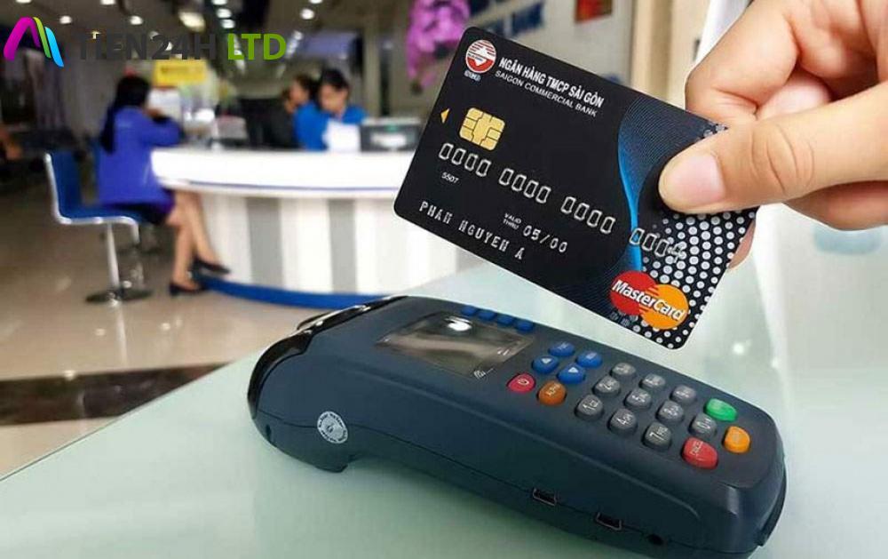 NHNN 'tuýt còi' hành vi rút tiền mặt trái qui định từ thẻ tín dụng